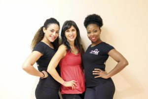 Event organizer Sara Siskind is flanked by (l.) Jessica Simpson and Jasmine Sanker, both from Deeva Dance