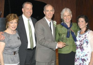 From left: Amy Bass, Community Chest board member and mistress of ceremonies, Jonathan Roth, Community Chest President, Doug & Patti Woods, and Julie Meer Harnick, Community Chest of Port Washington Executive Director