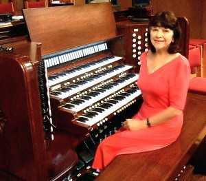 Feuss at the organ she plays at the Congregational Church of Manhasset