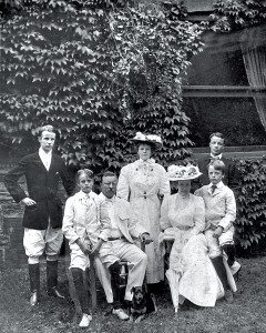 Theodore Roosevelt with his family in 1907.