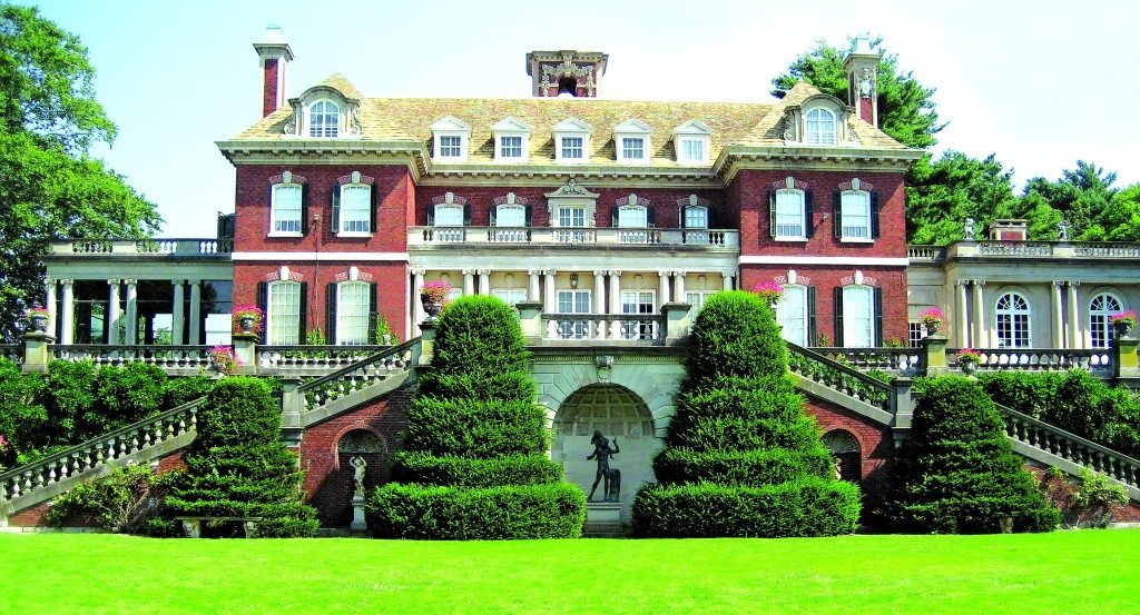 Completed in 1906, the magnificent mansion at Old Westbury Gardens is nestled amid 200 acres of formal gardens, landscaped grounds, woodlands, ponds and lakes.